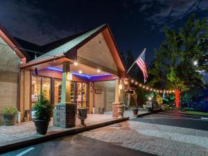 A porch or other outdoor area at Inn of The Dove Romantic Luxury & Business Suites