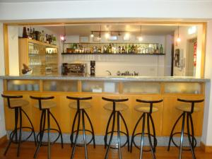 The lounge or bar area at Hotel D. Ines de Castro