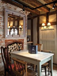 A restaurant or other place to eat at The Cross Keys