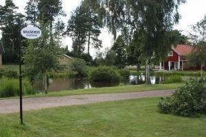 En trädgård utanför Nolgårdens Turistboende