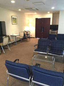 Area lounge atau bar di Orange Hotel