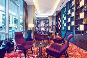 The lounge or bar area at Mercure Singapore Bugis (SG Clean)