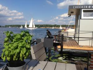 Cosy Houseboat Wannsee