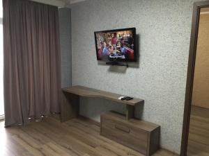 Телевизор и/или развлекательный центр в Sea Towers 2107