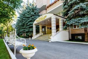 Патио или другая зона на открытом воздухе в Парк-Отель Шереметьевский