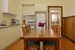 A kitchen or kitchenette at Holistic Haven