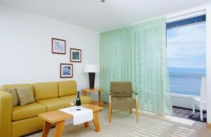 A seating area at ASTORIA Designhotel Opatija