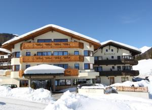 Hotel Klockerhof during the winter