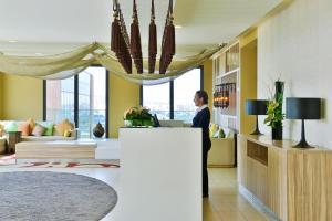 Лобби или стойка регистрации в Pestana Casablanca, Seaside Suites & Residences