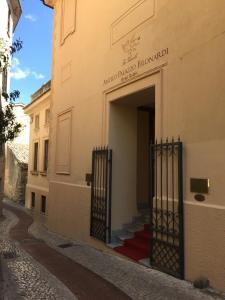 The facade or entrance of Hotel Relais Filonardi