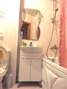 Ванная комната в Apartment Belomorskiye