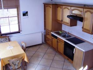 A kitchen or kitchenette at Ferienhaus Kyffhäuser