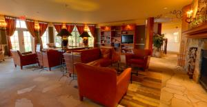 The lounge or bar area at Embarc - Tremblant