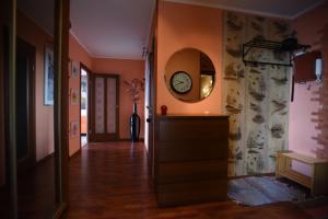 Лобби или стойка регистрации в Apartments Kupchinskaya