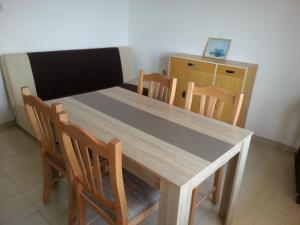 Lounge oder Bar in der Unterkunft Apartment Vivoda