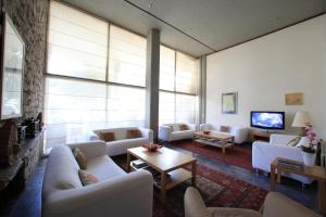 Χώρος καθιστικού στο Ξενοδοχείο Διόσκουροι