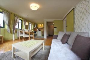 Lounge nebo bar v ubytování Apartmány Milenium