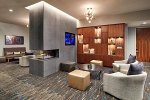 The lounge or bar area at Homewood Suites by Hilton San Diego Downtown/Bayside