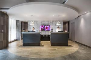 The lobby or reception area at Campanile Shanghai Bund Hotel