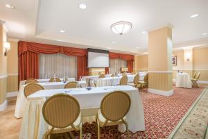 The business area and/or conference room at The George Washington - A Wyndham Grand Hotel