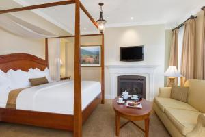 A room at The George Washington - A Wyndham Grand Hotel