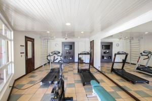The fitness center and/or fitness facilities at Mercure Jaragua do Sul
