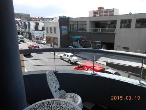 A balcony or terrace at Harringtons102