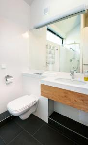 A bathroom at Boulevard Ustronie Morskie by Zdrojowa