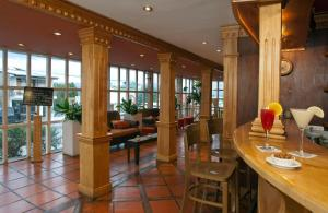 The lounge or bar area at Del Bosque Apart Hotel