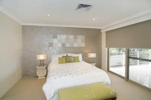 A room at Seal 4 Bedroom House by Shoalwater Executive Homes
