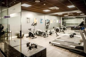 The fitness center and/or fitness facilities at Luxury Suites Amsterdam - Member of Warwick Hotels