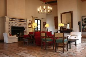 A restaurant or other place to eat at Hotel El Manantial del Silencio