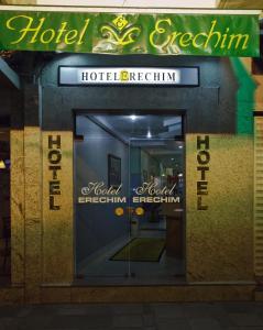 A fachada ou entrada em Hotel Erechim