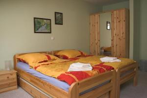 A bed or beds in a room at Eckotel H1