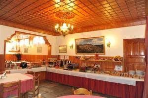 Ресторант или друго място за хранене в Hotel Apollon