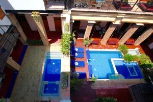 The swimming pool at or near Hotel Boutique Casa Carolina
