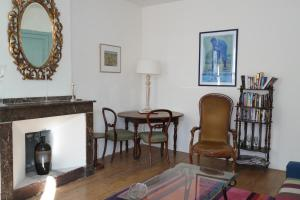 The lounge or bar area at The Apartments, Rue Barbès