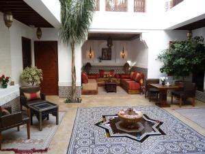 The lounge or bar area at Riad Viva