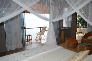 A balcony or terrace at Vila Pedra Mar