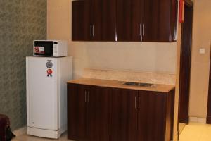A cozinha ou cozinha compacta de Makarim Najd 4
