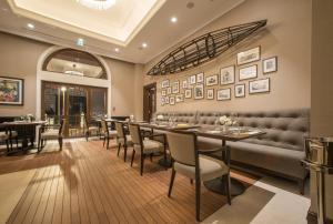 Boutique Hotel La Rocheにあるレストランまたは飲食店