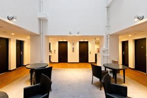 De lobby of receptie bij Sotetsu Fresa Inn Nihombashi-Ningyocho
