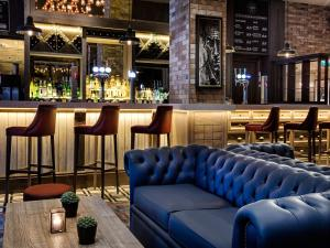 The lounge or bar area at DoubleTree by Hilton Glasgow Central