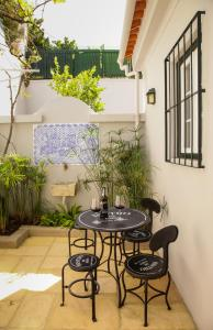 A porch or other outdoor area at Villa Marquês near Tejo River