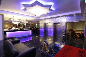The lounge or bar area at MOSHAMANLA Hotel-Main Station