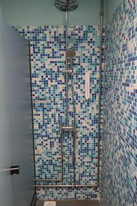 Ein Badezimmer in der Unterkunft The Bohemian