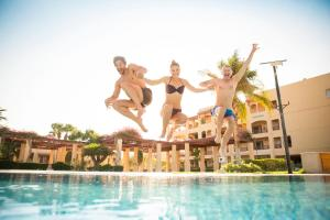 المسبح في Robinson Soma Bay أو بالجوار