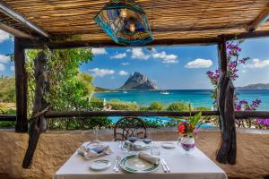 A restaurant or other place to eat at Hotel Don Diego