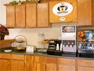 A kitchen or kitchenette at Super 8 by Wyndham Ruidoso