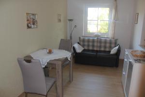 Ein Sitzbereich in der Unterkunft Ferienwohnung Waltraud